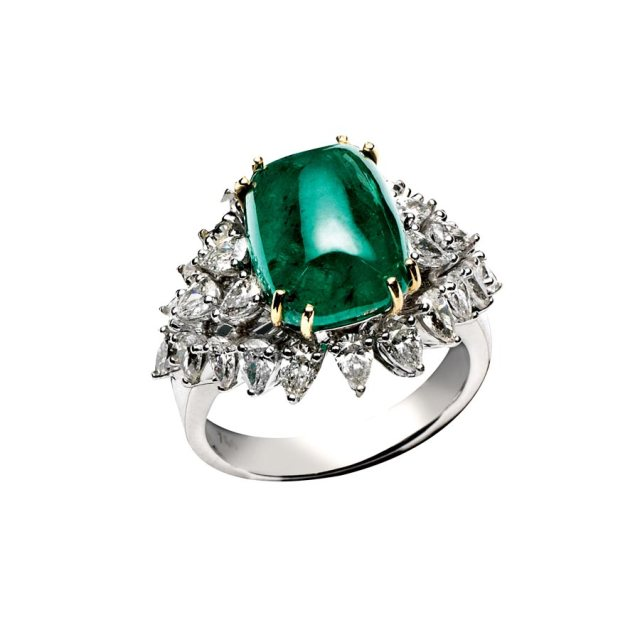 cabochon emerald diamond ring pantone emerald